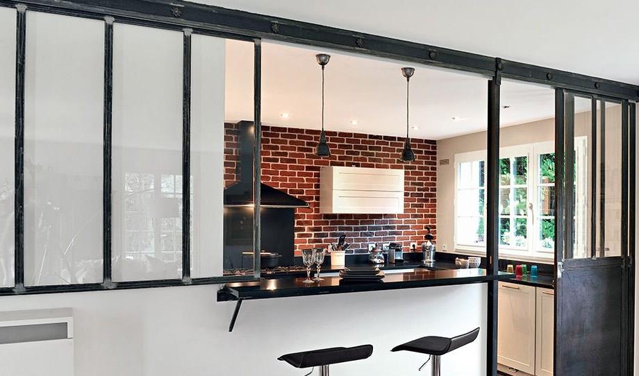 Opter pour une cuisine semi-ouverte avec verrière – Decors-plus